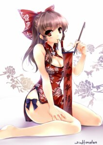 Rating: Safe Score: 165 Tags: chinadress cleavage hakurei_reimu touhou windforcelan User: 椎名深夏