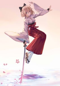 Rating: Safe Score: 34 Tags: fate/grand_order hfp~kubiao japanese_clothes sakura_saber sword User: Mr_GT