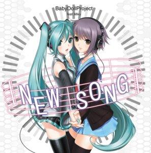 Rating: Safe Score: 32 Tags: crossover hatsune_miku headphones nagato_yuki sano_toshihide seifuku suzumiya_haruhi_no_yuuutsu symmetrical_docking thighhighs vocaloid User: yumichi-sama
