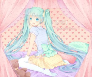 Rating: Safe Score: 14 Tags: hatsune_miku shiguri thighhighs vocaloid User: fairyren