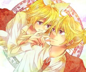 Rating: Safe Score: 5 Tags: kagamine_len kagamine_rin rikuko vocaloid User: Radioactive