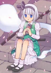 Rating: Safe Score: 7 Tags: bloomers konpaku_youmu kurarin myon touhou User: blooregardo