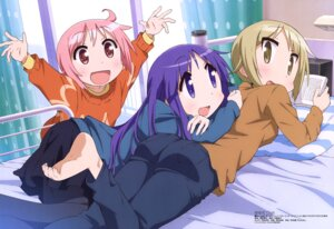 Rating: Safe Score: 39 Tags: ass feet hinata_yukari ichii_yui nonohara_yuzuko pantyhose suwa_masahiro sweater yuyushiki User: drop