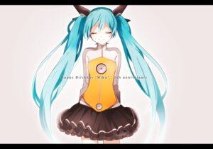 Rating: Safe Score: 20 Tags: hatsune_miku headphones odds_&_ends_(vocaloid) tama_(songe) vocaloid User: animeprincess