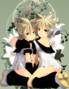 Rating: Questionable Score: 12 Tags: headphones kagamine_len male nopan seifuku shijuuhachi vocaloid User: Riven