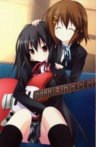Rating: Safe Score: 46 Tags: guitar hirasawa_yui k-on! nakano_azusa sakana seifuku User: Radioactive