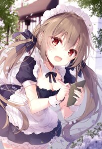 Rating: Questionable Score: 32 Tags: maid mochizuki_shiina waitress User: hiroimo2