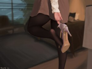 Rating: Questionable Score: 14 Tags: heels pantyhose sweater tagme User: saemonnokami