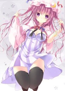 Rating: Safe Score: 51 Tags: kisaragi_kiriha nopan patchouli_knowledge thighhighs touhou User: Nekotsúh