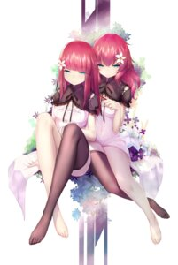 Rating: Safe Score: 78 Tags: devola dk_senie feet nier nier_replicant popola thighhighs User: Mr_GT