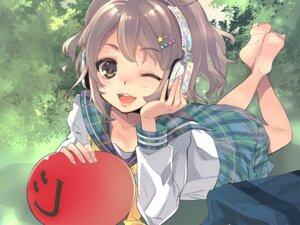 Rating: Safe Score: 36 Tags: aliasing feet headphones ito_noizi seifuku wallpaper User: Sunimo