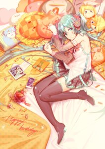 Rating: Safe Score: 36 Tags: hatsune_miku headphones heels see_through tattoo thighhighs vocaloid yyb User: nphuongsun93