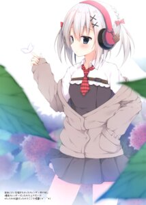 Rating: Safe Score: 29 Tags: headphones izumi_yuhina seifuku sweater User: kiyoe