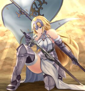 Rating: Safe Score: 27 Tags: armor denpa_(denpae29) fate/apocrypha fate/grand_order fate/stay_night heels jeanne_d'arc jeanne_d'arc_(fate/apocrypha) ruler_(fate/apocrypha) sword thighhighs User: mash