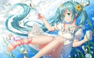 Rating: Safe Score: 81 Tags: dress feet hatsune_miku vocaloid yezhi_na User: Mr_GT