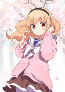 Rating: Safe Score: 45 Tags: konbu_wakame seifuku sweater User: nphuongsun93