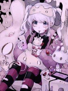 Rating: Questionable Score: 6 Tags: bandaid blood milcery pokemon pokemon_sword_and_shield shino_(pixiv13885347) torn_clothes yuuri_(pokemon) User: animeprincess