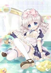 Rating: Questionable Score: 26 Tags: maid mochito_tamasan moe2015 skirt_lift thighhighs User: KazukiNanako