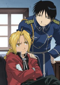 Rating: Safe Score: 9 Tags: edward_elric fullmetal_alchemist male roy_mustang uniform User: Lua