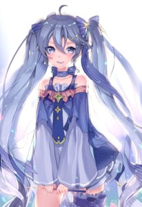 Rating: Safe Score: 68 Tags: garter hatsune_miku mechuragi vocaloid User: gogotea28