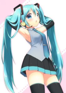 Rating: Safe Score: 46 Tags: hatsune_miku mani thighhighs vocaloid User: Nekotsúh