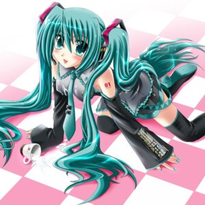 Rating: Questionable Score: 7 Tags: cream hatsune_miku otoki_raku thighhighs vocaloid User: Lore