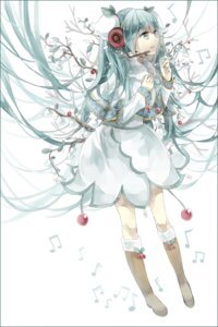 Rating: Safe Score: 22 Tags: cui_(jidanhaidaitang) dress hatsune_miku headphones vocaloid yuki_miku User: charunetra