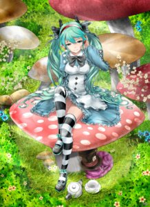 Rating: Safe Score: 31 Tags: alice_in_wonderland cheshire_cat cosplay dress hatsune_miku saiki thighhighs vocaloid User: Radioactive