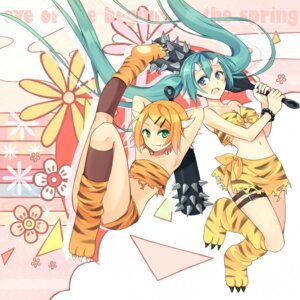 Rating: Questionable Score: 15 Tags: hatsune_miku horns kagamine_rin vocaloid wadaka User: fairyren