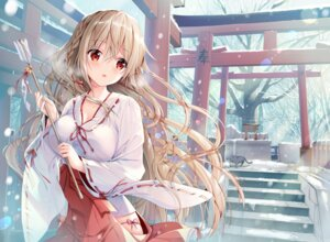 Rating: Safe Score: 90 Tags: cleavage maeda_shiori miko neko twinbox twinbox_school User: 糖果部部长