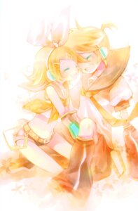 Rating: Safe Score: 12 Tags: kagamine_len kagamine_rin shimeko vocaloid User: Radioactive