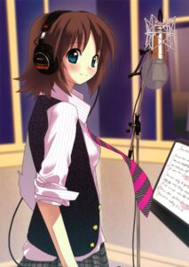 Rating: Safe Score: 34 Tags: headphones tsukigami_luna User: vita
