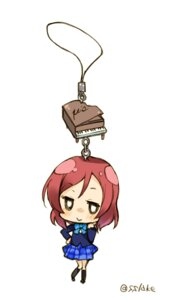 Rating: Safe Score: 13 Tags: chibi love_live! minase_shuu nishikino_maki seifuku User: Radioactive