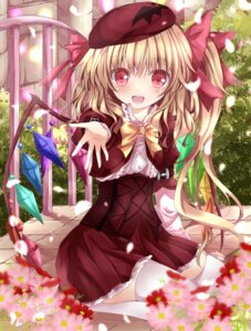 Rating: Safe Score: 42 Tags: flandre_scarlet nanase_nao thighhighs touhou wings User: 椎名深夏