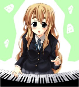 Rating: Safe Score: 4 Tags: iga_tamaki k-on! kotobuki_tsumugi seifuku User: Syko83