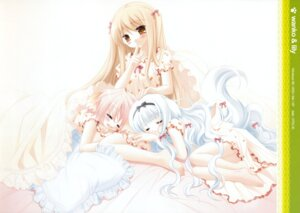 Rating: Safe Score: 18 Tags: lily_(w&l) pajama sakurazawa_izumi touko wanko wanko_to_lily User: Kalafina