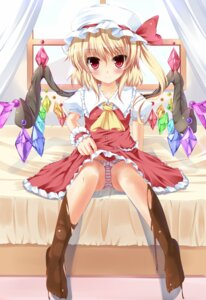 Rating: Questionable Score: 46 Tags: flandre_scarlet fujieda_uzuki pantsu shimapan touhou wings User: 椎名深夏