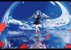 Rating: Safe Score: 39 Tags: hatsune_miku lightofheaven seifuku vocaloid User: FateV