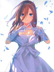 Rating: Safe Score: 18 Tags: 5-toubun_no_hanayome cleavage dress nakano_miku no_bra slime07 wedding_dress User: Spidey