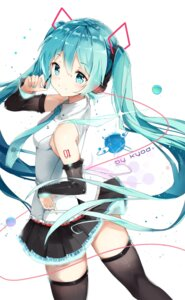 Rating: Safe Score: 97 Tags: hatsune_miku headphones kuroi_asahi tattoo thighhighs vocaloid User: Mr_GT