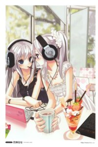 Rating: Safe Score: 74 Tags: dress headphones tsukigami_luna User: hugo_victor