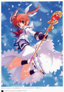 Rating: Safe Score: 48 Tags: crown dress mahou_shoujo_lyrical_nanoha takamachi_nanoha yashiro_seika User: yong