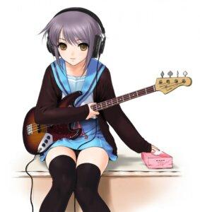 Rating: Safe Score: 65 Tags: guitar headphones nagato_yuki sano_toshihide seifuku suzumiya_haruhi_no_yuuutsu thighhighs User: lxmgdyl