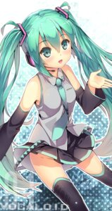 Rating: Safe Score: 38 Tags: hatsune_miku headphones niwashi nopan thighhighs vocaloid User: mahoru