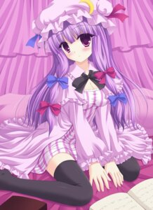 Rating: Safe Score: 37 Tags: patchouli_knowledge shimotsuki_keisuke thighhighs touhou User: hobbito