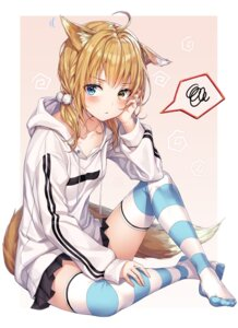 Rating: Questionable Score: 46 Tags: animal_ears feet heterochromia kitsune r_o_ha tail thighhighs User: sym455