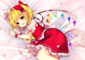 Rating: Safe Score: 29 Tags: flandre_scarlet ruhika touhou wings User: Mr_GT