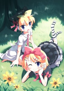 Rating: Safe Score: 15 Tags: crossdress headphones kagamine_len kagamine_rin lolita_fashion morujii vocaloid User: charunetra