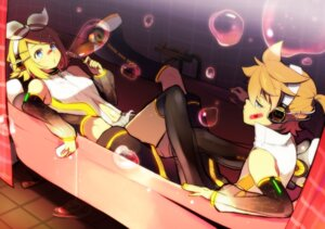 Rating: Safe Score: 14 Tags: headphones kagamine_len kagamine_rin kl len_append rin_append vocaloid vocaloid_append User: hobbito